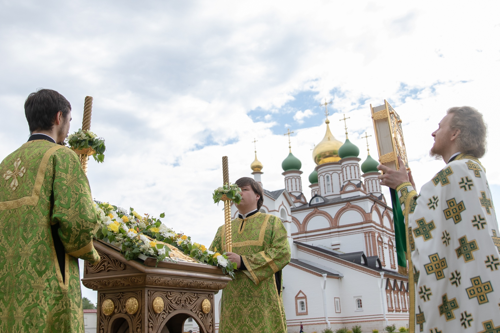 В Обители встретили престольный Праздник Святой Троицы, изображение №1