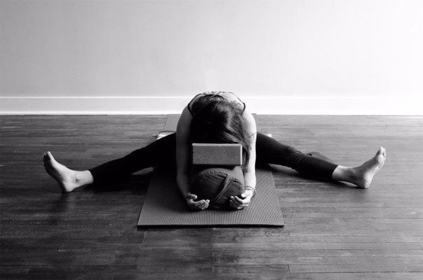 8 поз йоги, которые настроят на сон дом - здесь находят ответы!