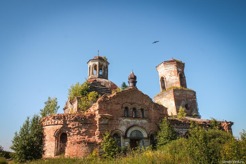 Заброшенная Сретенская церковь в Прокопьевской Салде