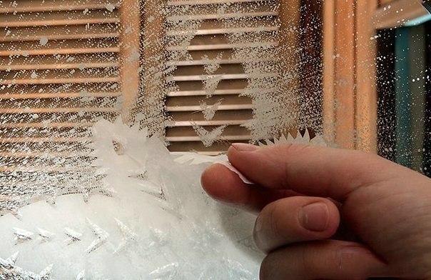 """Как сделать """"настоящие"""" морозные снежинки на окне или..."""