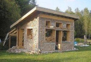 Строим баню сами из дров.