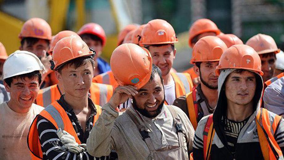 Таджикистан подарил таджиков России