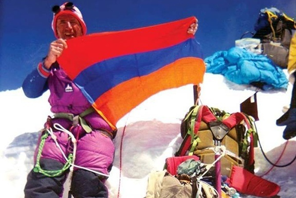 Как армянин и азербайджанец Эверест покоряли., изображение №2