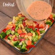 id_24611 Овощная запеканка с брокколи, морковью и картофелем ✨  Автор: Cookist  #gif@bon