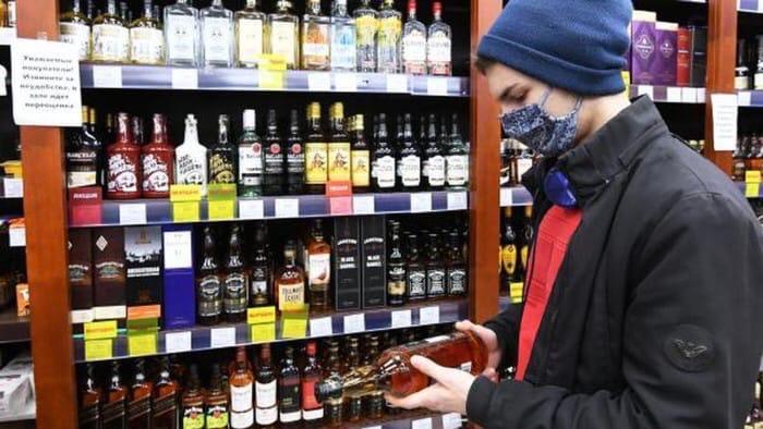 В России хотят поднять возраст продажи крепкого