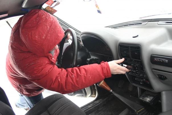 Работник автомастерской угнал иномарку клиентки в ...