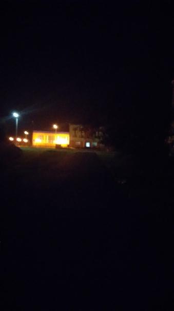 К улице, что ведёт к 12й школе совсем темно....све...