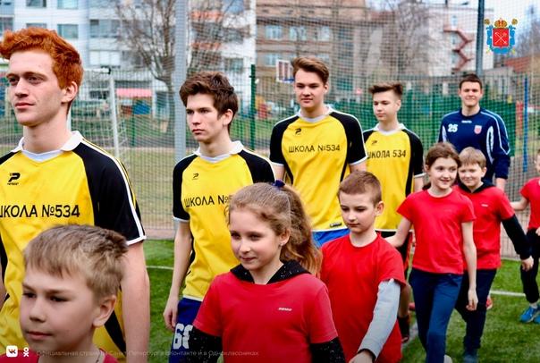Многие петербургские мальчишки обожают футбол ⚽️ Ч...