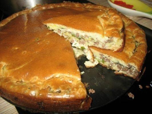 Изумительно вкусный и нежный пирог с капустой и мясом
