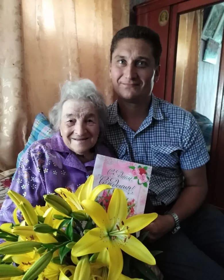 Сегодня, 12 июля, 95-летие отмечает жительница станции Жерновка Берёзовского образования Александра Николаевна АГАЛЬЦОВА
