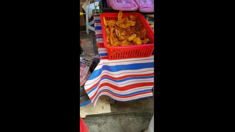 KL'18 fried bananas