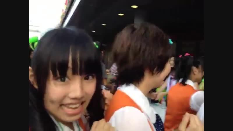 Shiritsu Ebisu Chuugaku is on TOKYO GIRLS' STYLE's handshake TIF 2012