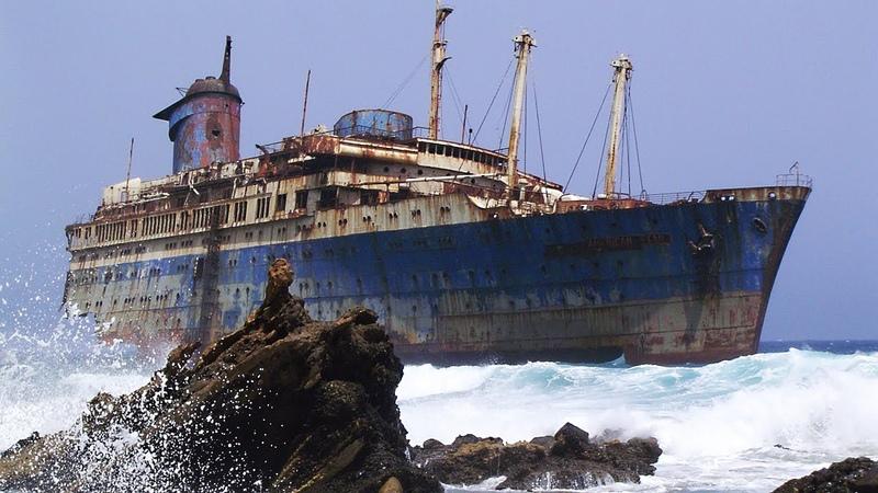 10 Историй о кораблях которые наука до сих пор не может объяснить