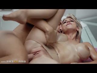 Сисястая зрелка в колготках с возрастом полюбила анальный секс Nathaly Cherie