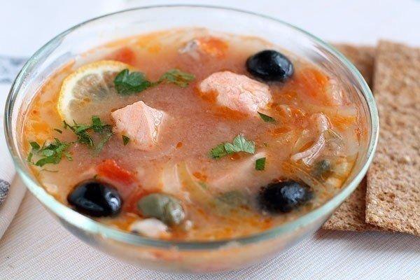 ТОП-9 ПОЛЕЗНЫХ И СЫТНЫХ ОБЕДОВ Самые вкусные супчики 1) Сырный суп по-французски с чесночными гренкамиИНГРЕДИЕНТЫ:куриное филе 400 гмягкий плавленый сыр 200 гкартофель 3 шт.морковь 1 шт.соль,