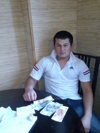 Алишер Утаев