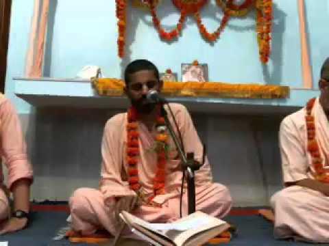 Шримад БВ Мадхусудана Госвами Махарадж радха крипа катакша бхаджанам и нанда нандана аштаки